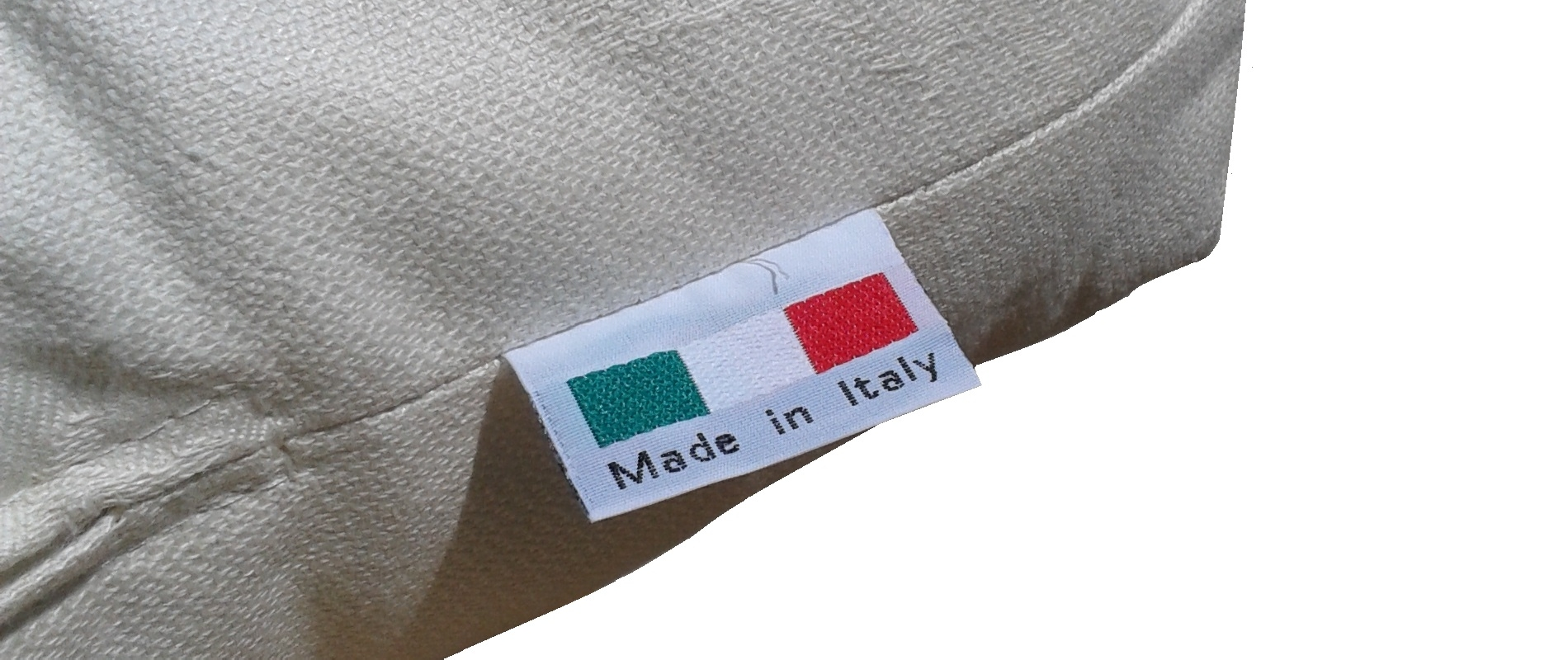 data/slides/futon-italy.jpg